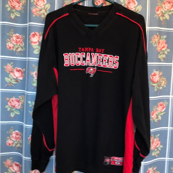 55761f70 NFL Tampa Bay Buccaneers long sleeve Large shirt